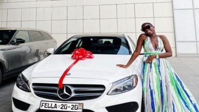 Photo of Fella Makafui's life in danger after receiving Benz gift Medikal gave her…See why