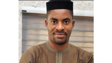 Photo of Popular critic Deji Adeyanju makes U-turn…begs Nigerians to support the Government