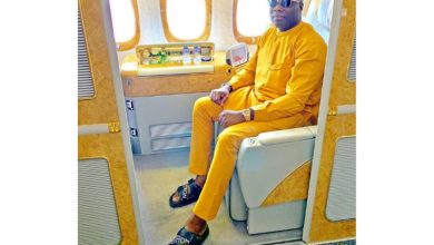 Photo of Dubai Based Nigerian Billionaire, Mompha flaunts his newly acquired Rolls Royce wraith 2020 |Video