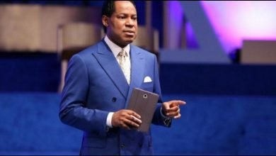 Photo of US riots are not about Black Lives Matter, they're to disband the ‪police and implant microchips — Pastor Oyakhilome‬