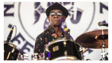 Photo of Seun Kuti mourns Tony Allen who played in his band and that of Fela