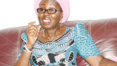 Photo of Ondo State First Lady fights extremely dirty with a critic