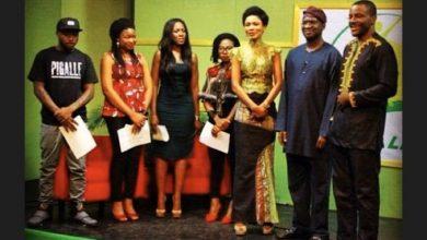 Photo of Davido shares throwback photo with Fashola, Linda Ikeji, Asa, Funmi Iyanda, others before he blew