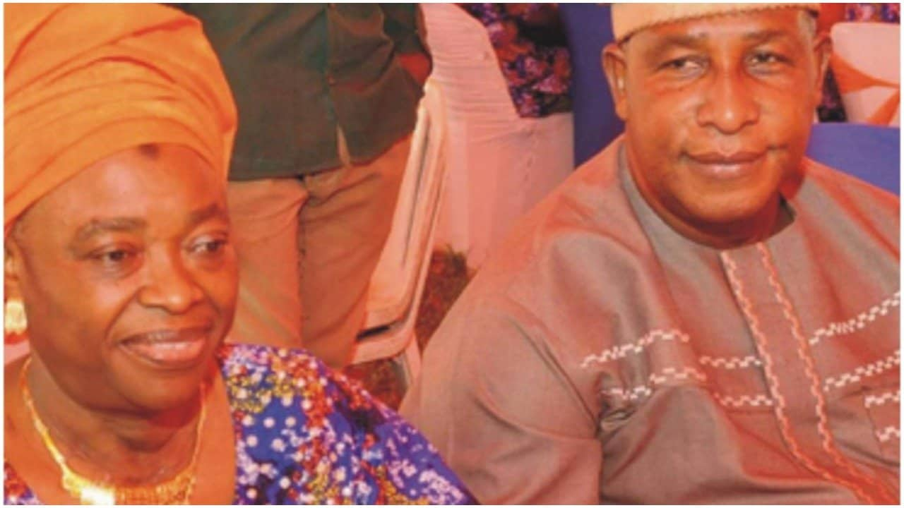 Photo of He runs from home after impregnating any woman – Oga Bello's first wife speaks on his infidelity, many children