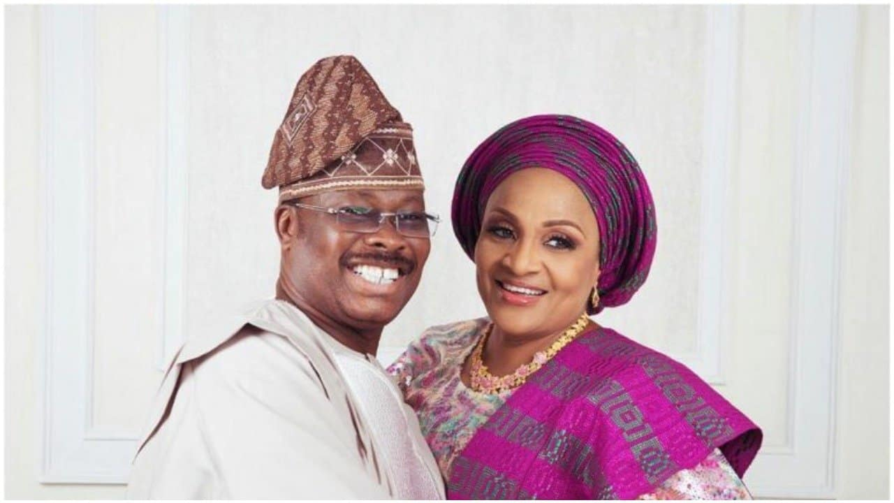 Photo of Former Oyo State Gov, Ajimobi battles Covid-19 on hospital bed, Wife also ill