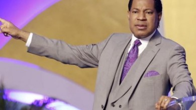 Photo of COVID-19: 'The number of hours you give the church is the number of hours you have left' -Pastor Chris Oyakhilome threatens  government