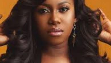 Photo of Singer Niniola a lesbian? Nigerians react to controversial tweet