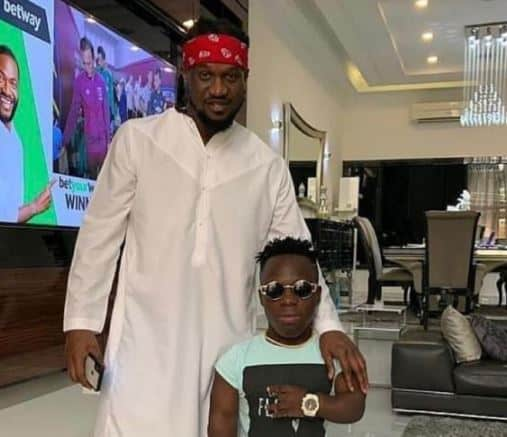 Photo of Paul Okoye consoles Shatta Bandle over the death of his father