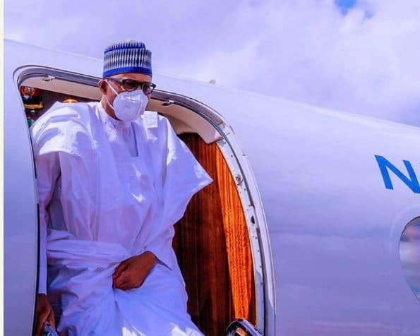 Photo of Buhari is now a travel blogger – Aisha Yesufu