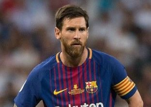 Photo of Lionel Messi 'isolates' himself from teammates after Barca defeat (photo)