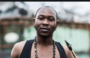 Photo of Seun Kuti exposes elites as he reveals where our collective wealth lies