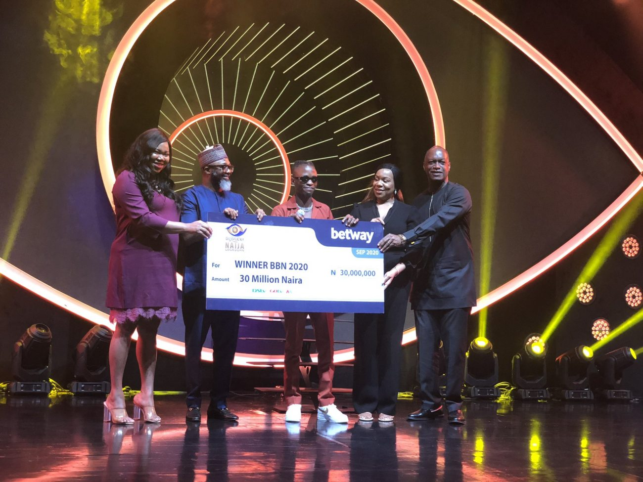BBNaija 2020: The Moment Laycon officially receives his N30 million prize money
