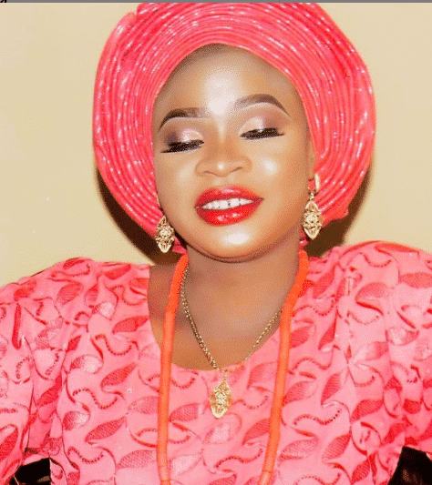 Meet Omolewa the girl who allegedly made Alaafin 0f Oyo kick out his wife