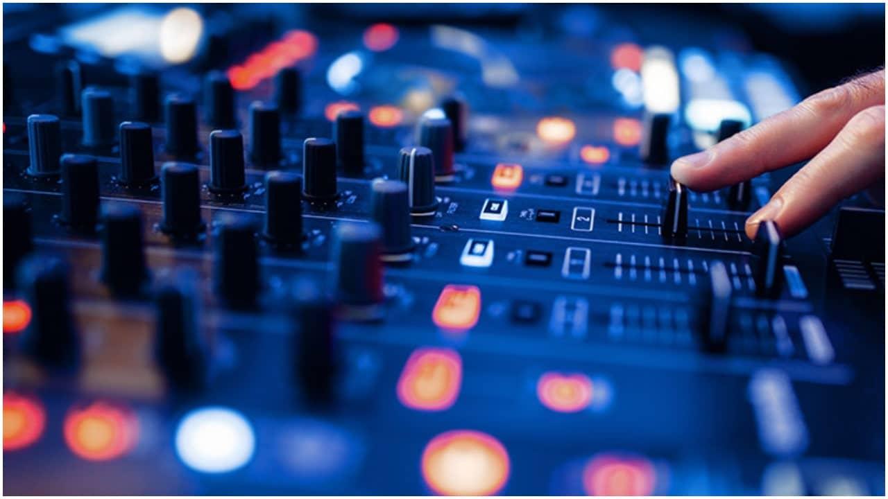 Download Top 5 Naija Music Mixes