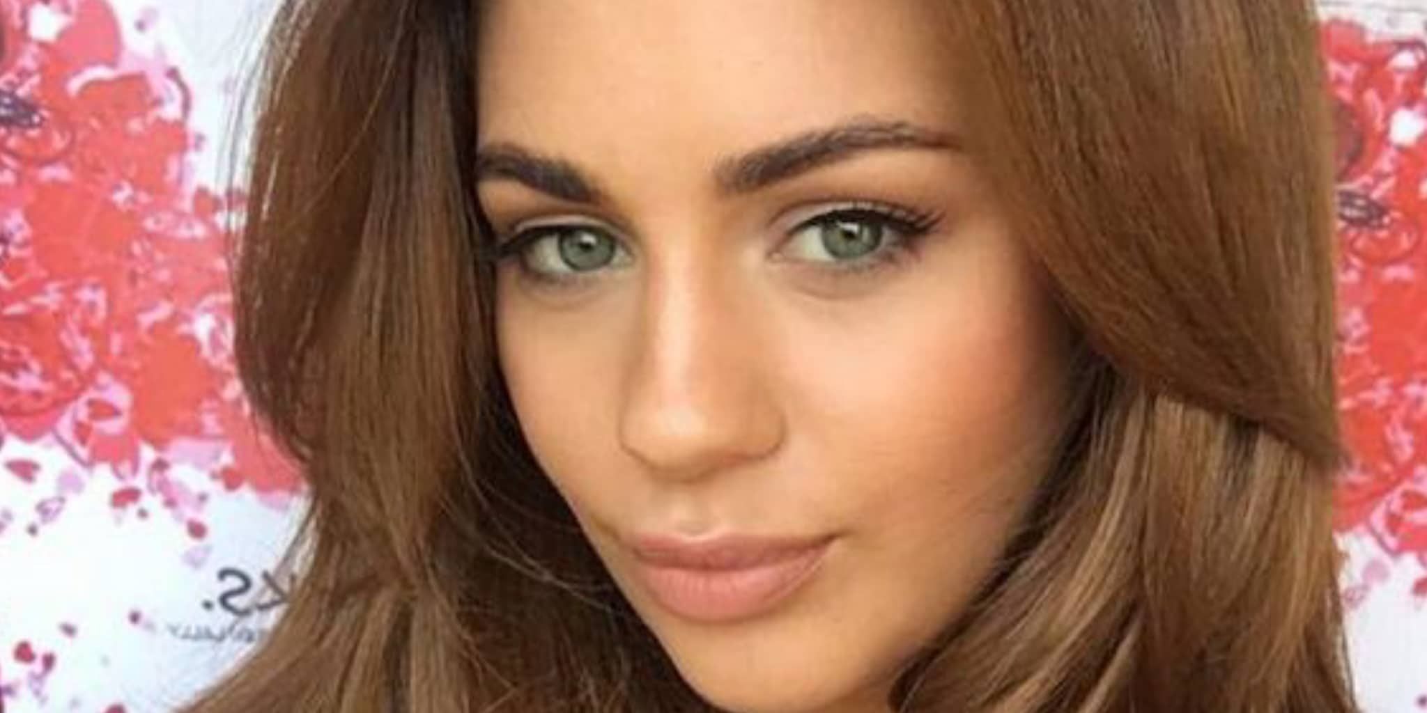 Holly Peers' biography: age, parents, career, relationship