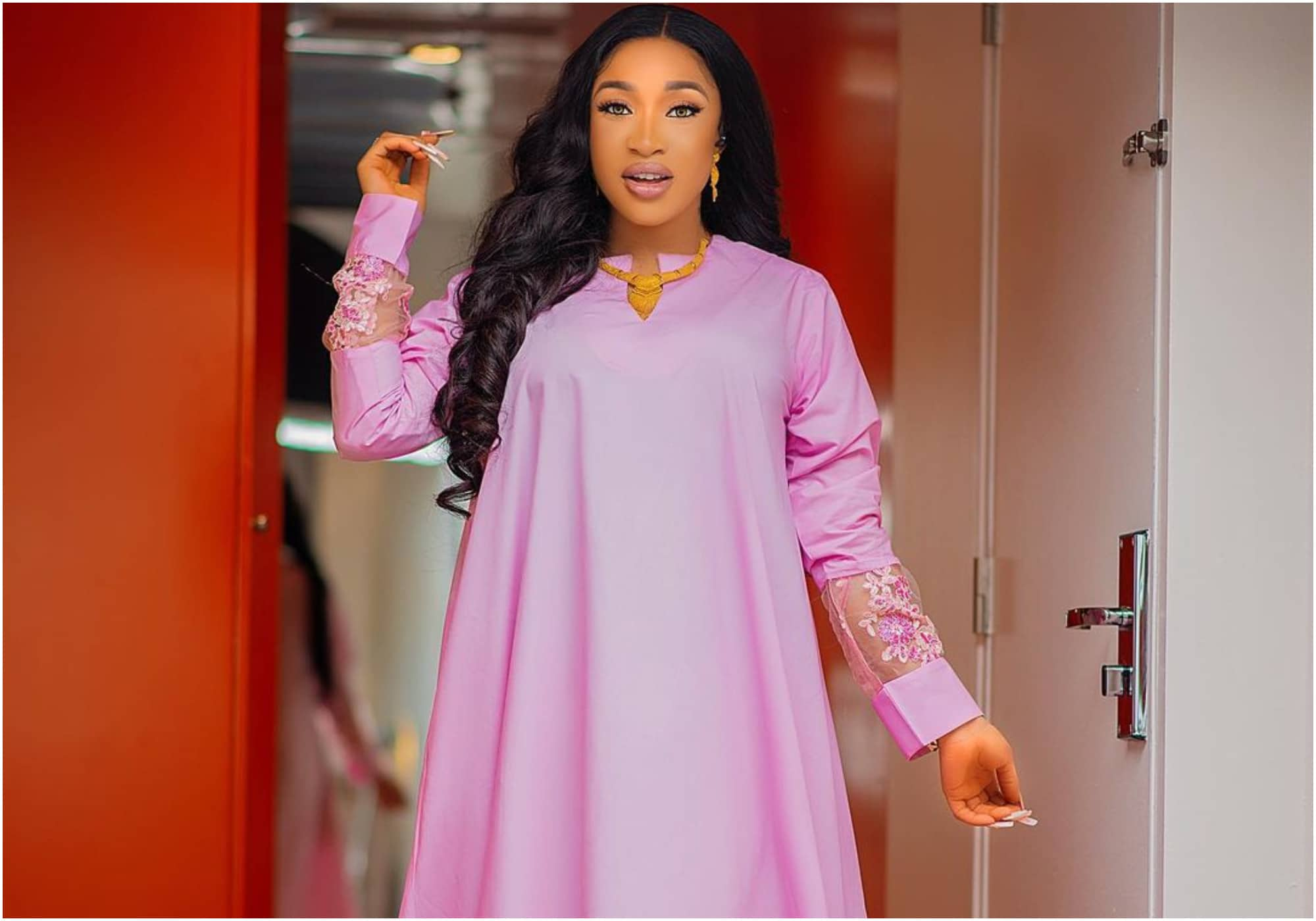 Tonto Dikeh brags as she warns people to stop begging her